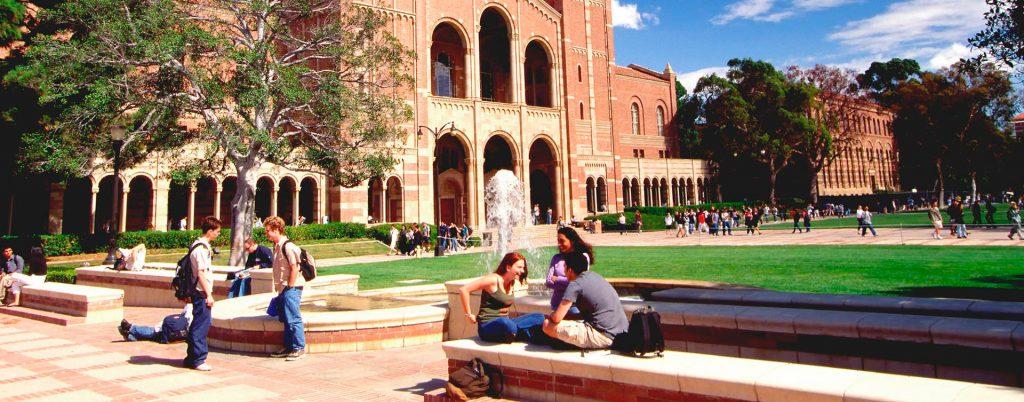 Estudios universitarios en el extranjero