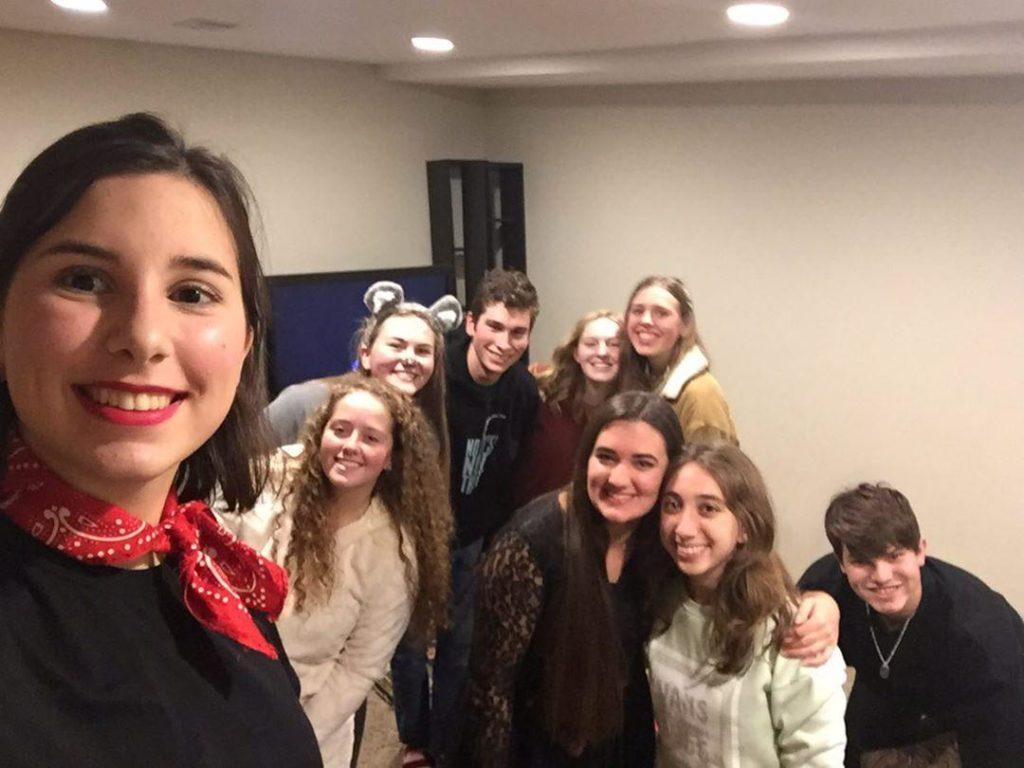 Alumnos durante la celebración de Halloween 2019
