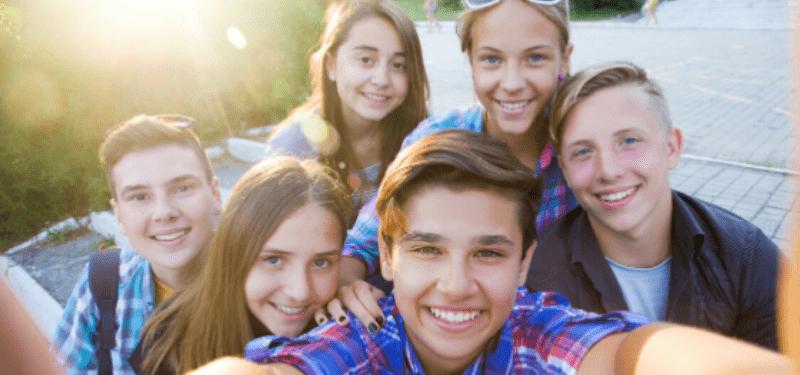 selfie de un grupo de estudiantes
