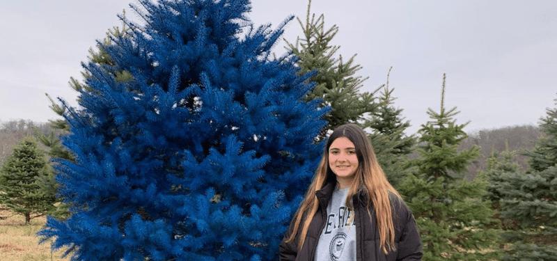 alumna en New York durante la Navidad 2019